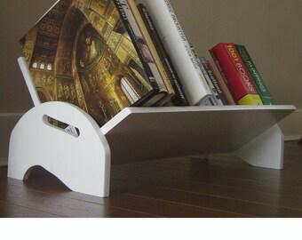 Floor-standing bookshelf