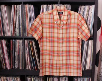 early 70s vintage Towncraft shirt for BOYS . orange plaid button down collar shirt with short sleeves, tag size 18