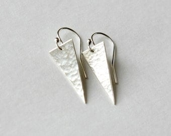 Silver Spike Earrings, Sterling Daggers, Hammered Geometric Earrings, Dangle Earrings, Minimal Jewelry, Minimal Earrings
