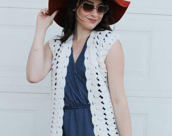 Vintage Crochet VEST. Hippie Vest, Boho Vest.  White Knit Vest. Vintage White Vest. Crochet yarn vest. Handmade Vest
