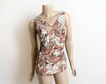 Vintage 1950s Bathing Suit - Cocoa Brown Floral Print Maillot with Ruched Waist - Zip Back - Classic Pin Up Style - Small Medium