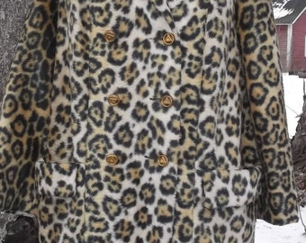 70s Mod Faux Fur Leopard Big Cat Coat S M Double Breast Davis Boston Jonathan Logan Vintage 1970s