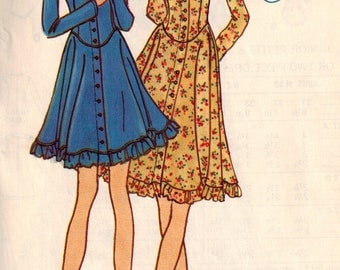 Vintage 70s Betsey Johnson Fit and Flare Junior Dress Sewing Pattern Bust 33.5 Dropped Contour Waistline Mini or Below Knee Scoop Neckline