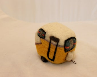 Needle Felted Camper, Glamper, RV, Trailer, Retro Camper #2275