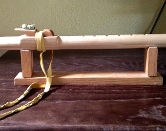 Native American Style Flute in Pine, with Gecko, A Minor