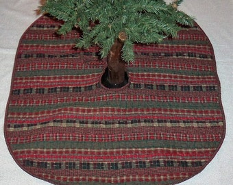 Quilted, Christmas Tree Skirt, Reversible, Scrappy Homespun, 30x30 Inches, Red Plaid, Holiday Decor, Medium Handmade