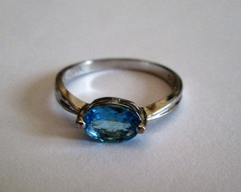 RING  - Blue TOPAZ  -SOLITAIRE - 925 - Sterling Silver  - size 6 -  Blue456
