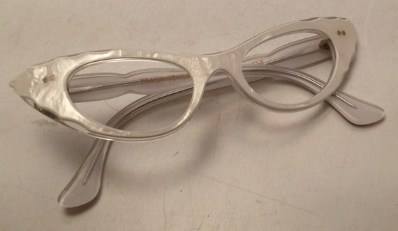 white cat eye glasses winged eyeglasses pearl white eyeglass frames european 1950s cateye glasses frame france glasses new old stock