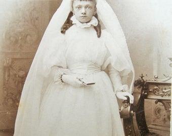 Antique Carte de Visite, Antique Cabinet Card, First communion photo, Victorian girl photo, Victorian cabinet card, Antique little bride