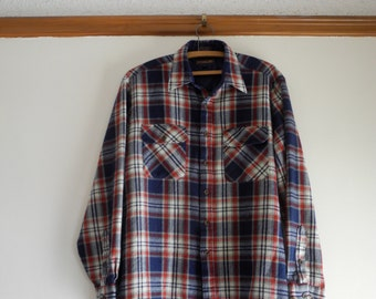 Classic plaid red & navy  60s / 70s flannel shirt by Woodland UNISEX Large