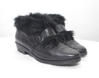 SALE...80s black ankle boots. fur trim boots. leather winter booties - eur 38.5, us 8, uk 5.5