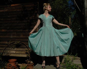 Size Small... Vintage 1950s Shimmery Mermaid Fabric Aqua Party Dress... Gorgeous Construction