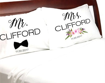Mr and Mrs  Pillowcases Modern Personalized Pillow Cases for Newlyweds Wife Husband Wedding Anniversary Engagement gifts for a Couple
