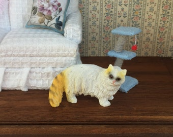 Miniature Cat Figurine, White and Yellow Cat, Style 2, Dollhouse Miniature, 1:12 Scale, Dollhouse Size Figurine