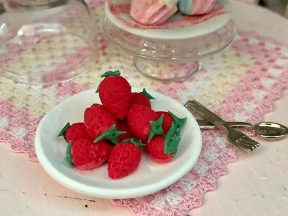 Miniature Strawberries, Mini Berries on White Ceramic Plate, Dollhouse Miniature, 1:12 Scale, Dollhouse Food, Mini Food