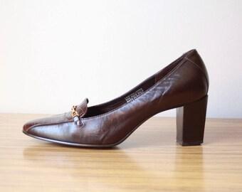 Guinevere - Vintage Etienne Aigner Brown Leather Pumps 6