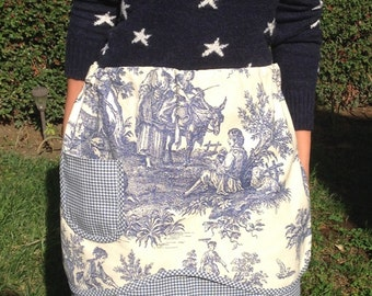 Apron with pocket. Blue/ Cream Toile