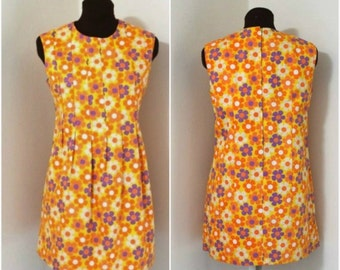 sale  60s 70s  vtg handmade cotton daisies  mini dress