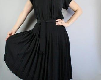 FREE SHIPPING 80s does 40s Little Black Dress, Albert Nipon, WW2, Swingtime, vlv, Spring Dress, Graduation Dress, Office Dress, Size Medium