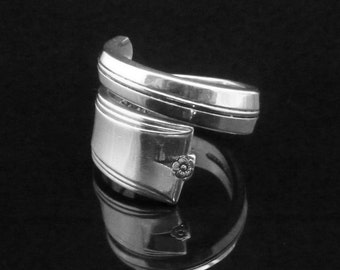 Simple Floral Spoon Ring, King Arthur 1941