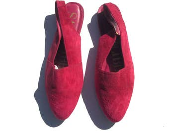 10 hot pink suede slingback flats magenta // fuchsia rounded pointed toe 90s vintage shoes