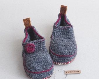 Sale - Children House Shoes in dark grey with burgundy trim - Moccasins - Children U.S. size 12 EUR 29-30 - 30% off