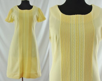 SALE Vintage Sixties Dress - 1960's Yellow Shift Dress - 60's A-line Day Dress - Large Sixties Dress