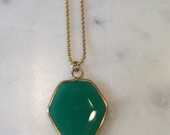Green Onyx Charm Necklace, Gold Layering Necklace, Dainty Necklace, Gemstone Necklace, Gold Necklace, Layering Jewelry