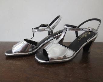 Vintage '60s Ci Ranno Designer Editions Silver T-Strap, Ankle Strap, Open Toe GoGo Heels, US Women's Sz 8