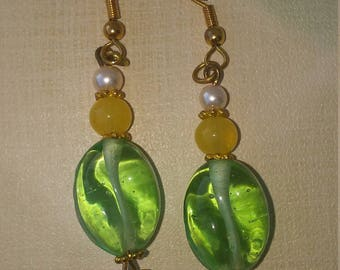 clearance/destash Ayla's Bead Creations pastel yellow green and white flower drop earrings