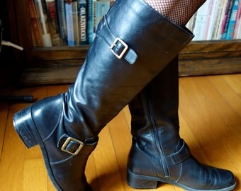 Black leather riding boots women's vintage St John's Bay straps and brass buckles square toe retro neo victorian equestrienne goth size 7 US