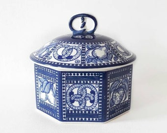 Vintage Blue And White Panelled Tea Storage Cookie Jar Hand Painted Pottery with Pretzels Bahlsen