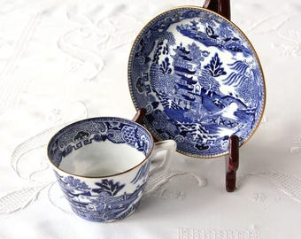 Blue Willow, Crown Staffordshire, English teacup and saucer, saucer bowl,