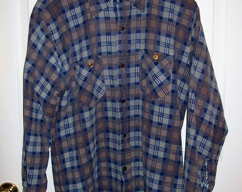Vintage Mens Gray Plaid Flannel Shirt by JC Penney Large Only 7 USD