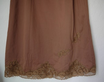 Vintage 70s Van Raalte Slip Skirt Size Small Brown Scallop Floral Lace Sweetheart Romantic Boho USA Glam Garb