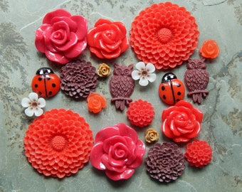 20 Pieces Assorted Victorian Cottage Resin Flower Cabochons- 10 Matching Pairs (Lot #8)