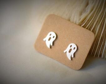 925 Sterling Silver Stud Earring - GHOST Stud Earring  ~ 7 mm - Girls / Casual / Cute