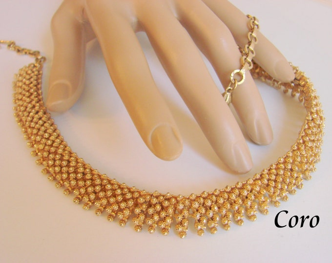 Clasic Vintage Coro Choker Necklace Textured Goldtone Designer Signed Articulated Links Mid Century Jewelry