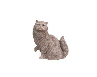 Vintage Persian Cat Figurine Cast Resin Gray Kitten Sculpture Textured Hand Painted Tabby Animal Collectible Paperweight