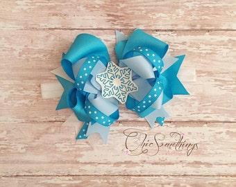 Christmas bow, snowflake bow, snowflake headband, snowflake baby bow, baby headband, holiday bow, snowflake headband, Christmas bow headband