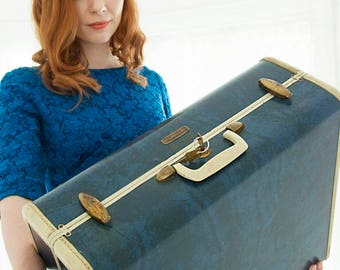 Vintage 1940s blue suitcase, Samsonite hardshell hard case travel luggage, original keys