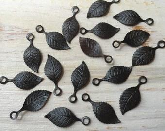 Vintaj Arte Metal {Delicate Leaf Charm} 6 Pcs - ADP0024