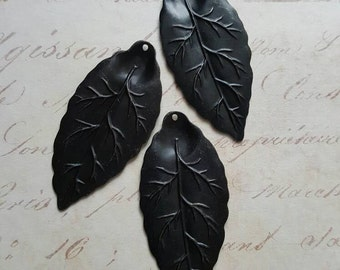 Vintaj Arte Metal {Bay Leaf Pendant} *Limited Stock* 1 Pc - AP0006