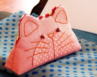 Cat purse, Cat pouch, Coin purse zippered, Hand embroidery