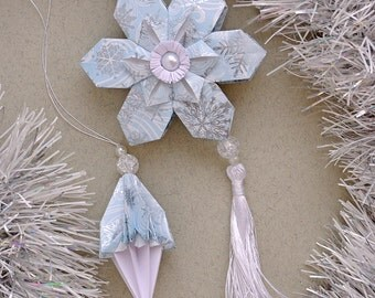 Christmas ornaments - Paper Snowflake and 3 icicles - Snowflake ornament - Paper ornaments, Xmas ornaments - ice, winter, silver blue, white