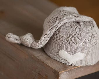 Newborn Hat, Light Gray Knot Hat with Heart, Neutral Newborn Hat, Newborn Photography Prop, Newborn Hats, Newborn Props, Boy Hat, Girl Hat