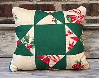 Vintage Christmas Quilt Pillow with Quilt Backing