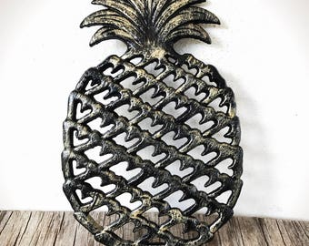 Modern Pineapple Kitchen Trivet / Black and Gold Home Decor / Mothers Day Gift For Cooks / Gifts Under 20 For Her / Summer Decorating
