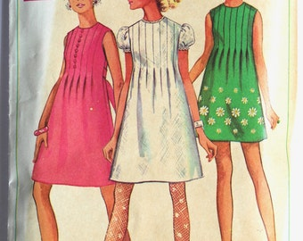 Vintage 1970s Womens Pintuck Front Mini Dress/Tunic  Sewing Pattern Size 10 Simplicity 7633