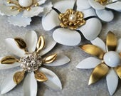 5 Mini White and Gold Flower Brooches or Flatback Enamel Flower Embellishments Cabochon White Broach Pins Small Metal Flowers  FLOT24